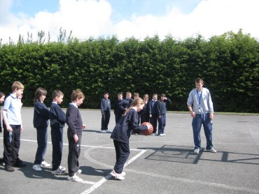 Children from 3rd to 6th class had an opportunity to take part in a basketball session.