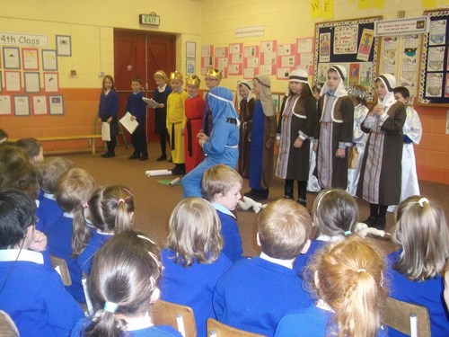 Second class perform their play Do the Christmas Rock for the junior classes.