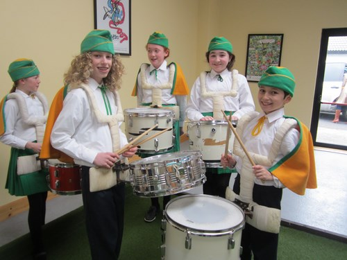 Drummers warming up!