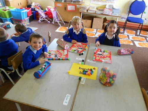 Junior Infants-measuring with cubes
