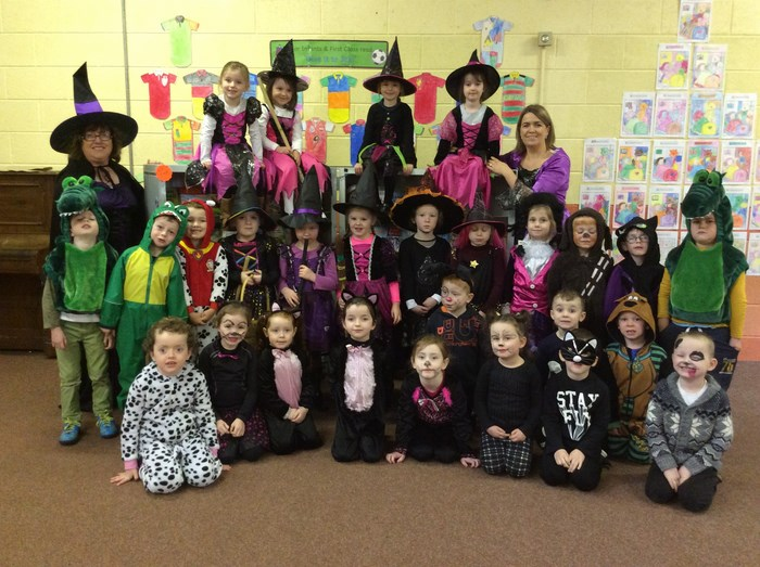Junior Infants dress as characters from 'Room on the Broom'