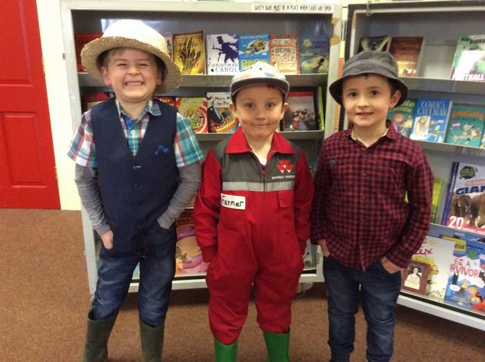 3 fine farmers!
