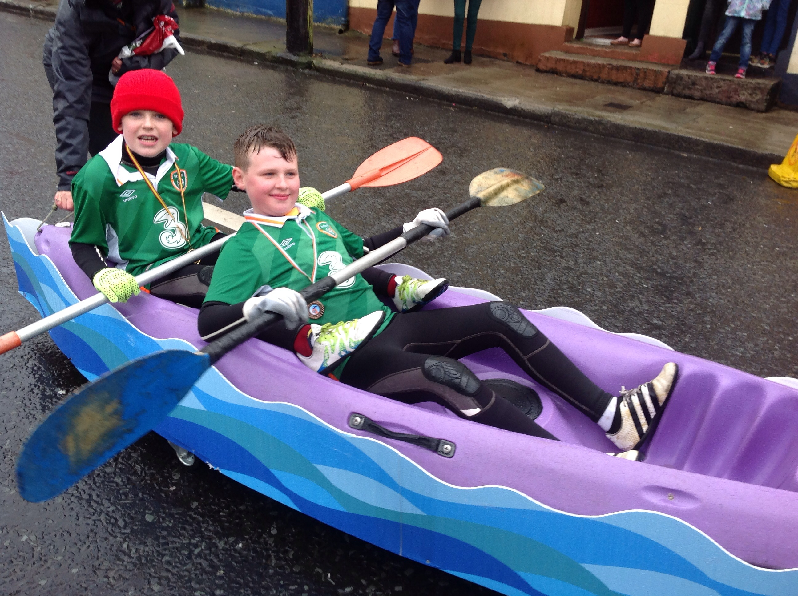 Pull like the dog! Some of our pupils with the Scouts float