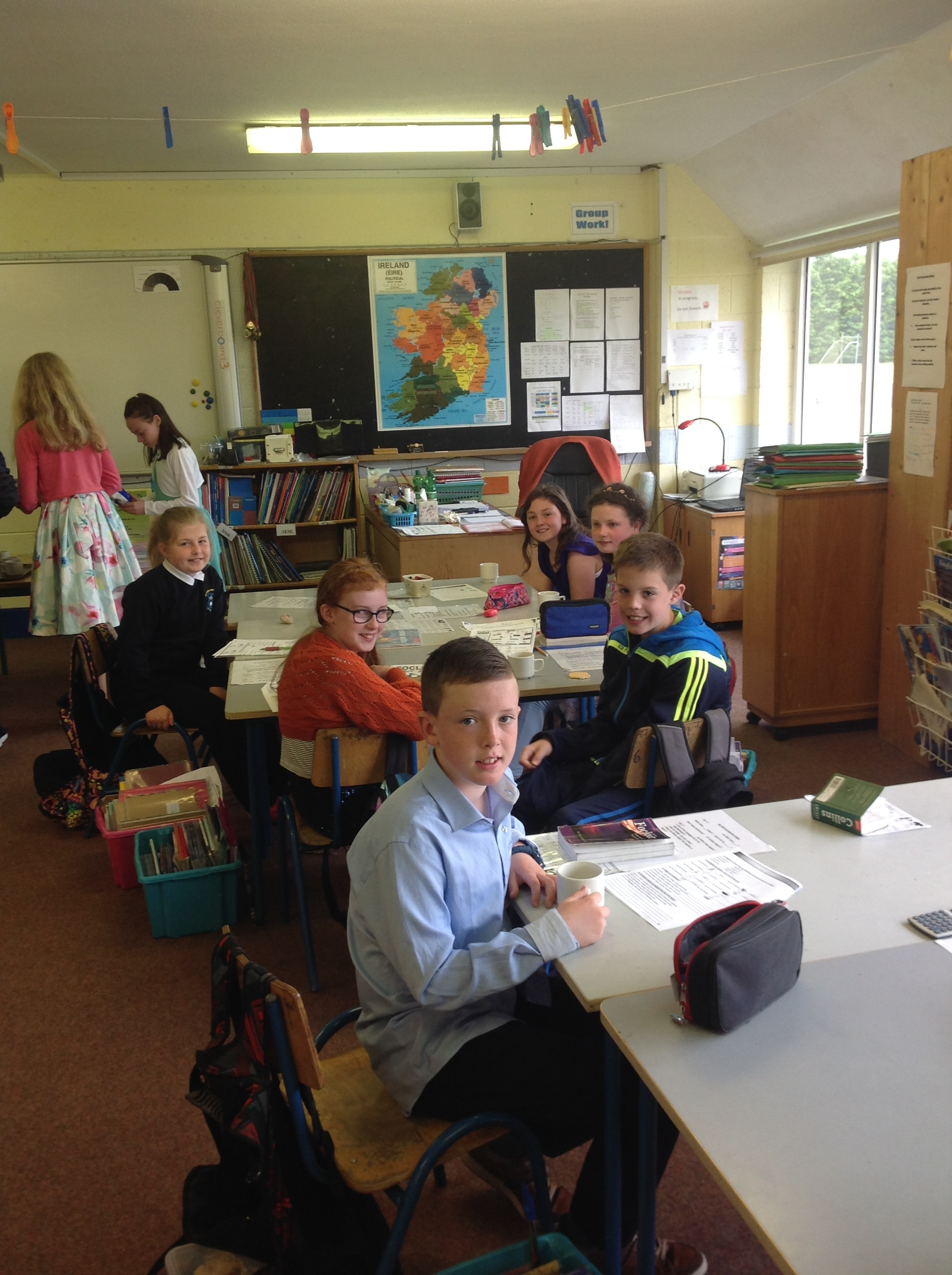 th Class-chatting about the day on Monday at school